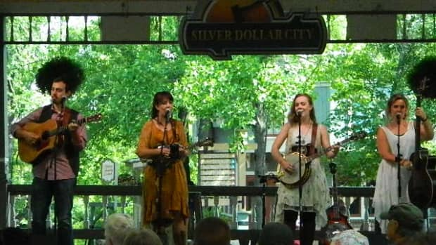 southern-raised-my-favorite-bluegrass-group