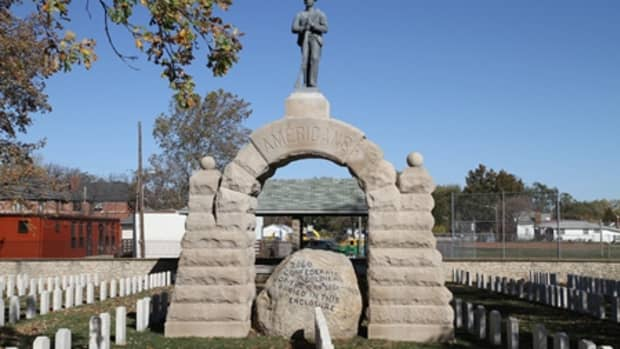 federal-funds-replace-a-dismantled-confederate-statue-in-ohio