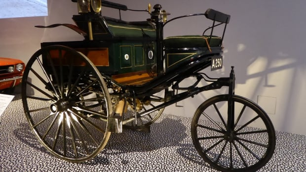 cars-accelerating-the-modern-world-exhibition-at-the-va-museum