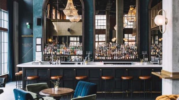 we-met-in-a-bar