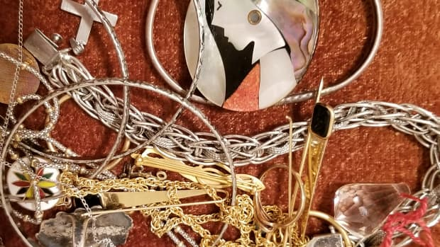 why-to-give-real-gold-or-silver-jewelry-or-not