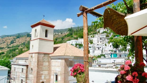 hiking-between-white-washed-villages-in-the-breathtaking-spanish-mountain-area-of-alpujarra