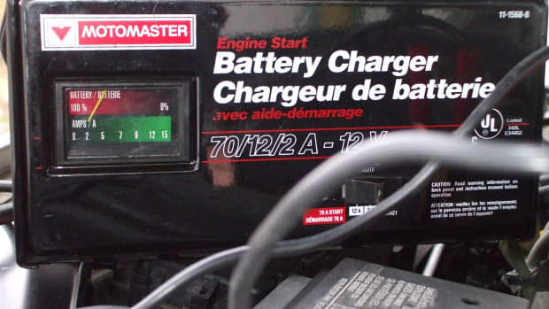 using-a-battery-maintainer-and-trickle-charger