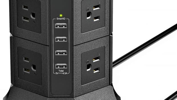 iclever-power-strip-tower-review-the-ultimate-desktop-charging-station
