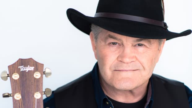 micky-dolenz-discusses-new-the-monkees-the-mike-micky-show-album-and-more