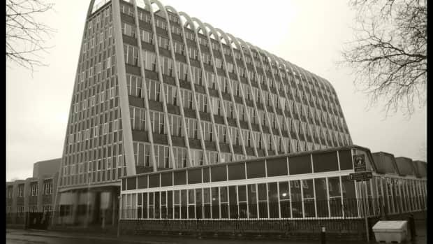 modernist-architecture-in-manchester