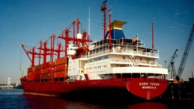 tour-of-houston-ship-channel-a-fascinating-tourist-attraction