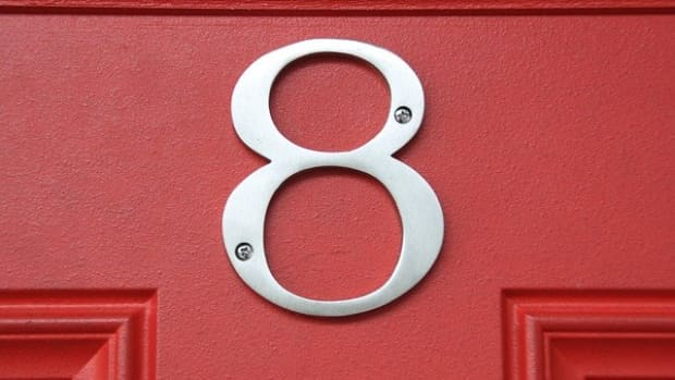 the-number-8-in-numerology-the-righteous-boss