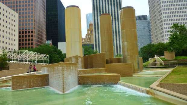 tranquillity-park-in-downtown-houston-commemorates-moon-landing