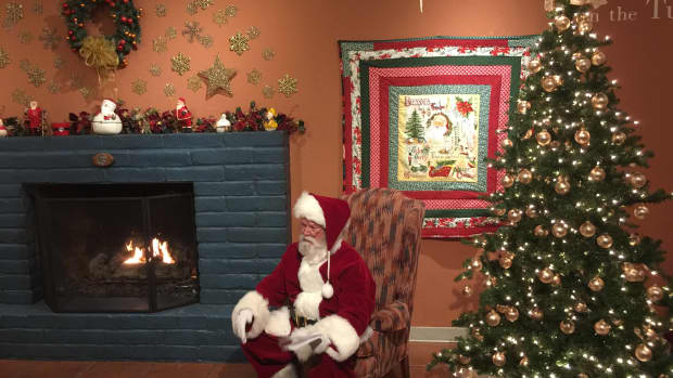 Santa Claus-Tubac Dec 3 2016-IMG_6161