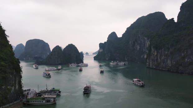 ha-long-bay-vietnam-tour