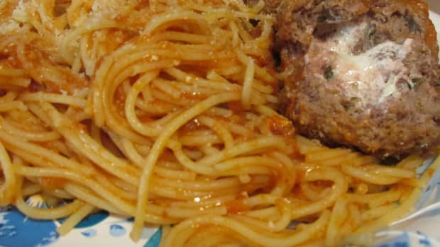 slow-cooker-cheese-stuffed-meatballs