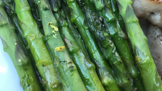 httpshubpagescommischow-to-roast-asparagus-quick-roasted-asparagus-with-lemon-recipe
