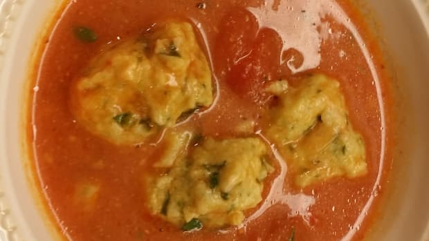 tomato-soup-with-cheese-dumplings