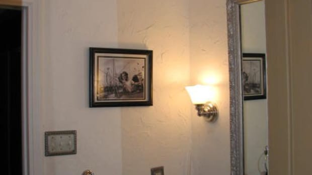 plastering-over-wallpaper