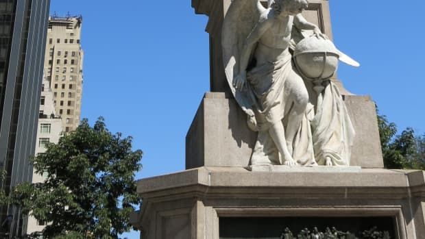 IMG_0817 Monument to Columbus by Central Park NYC.JPG - Dt Taken 9-14-2014