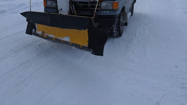 plow-truck-how-to-move-snow-around-into-snowpiles