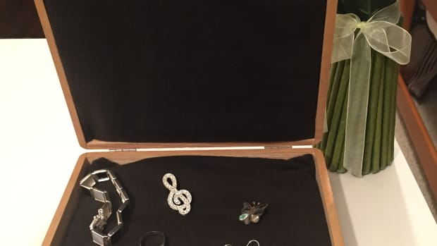 how-to-make-a-jewelry-box-liner-to-protect-your-silver-jewelry