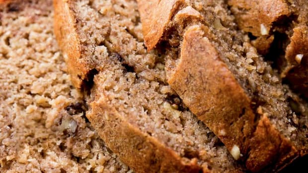 moist-non-soggy-banana-bread