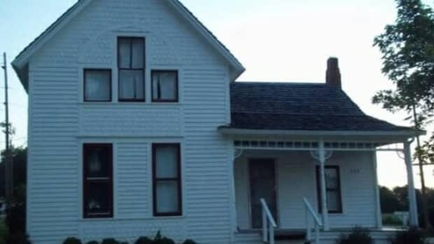 a-paranormal-investigation-inside-the-villisca-ax-murder-house