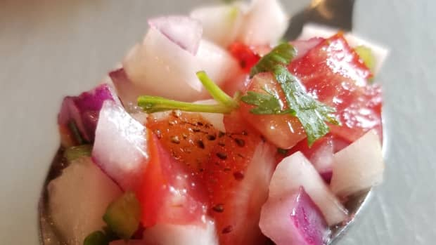cucumber-strawberry-salsa