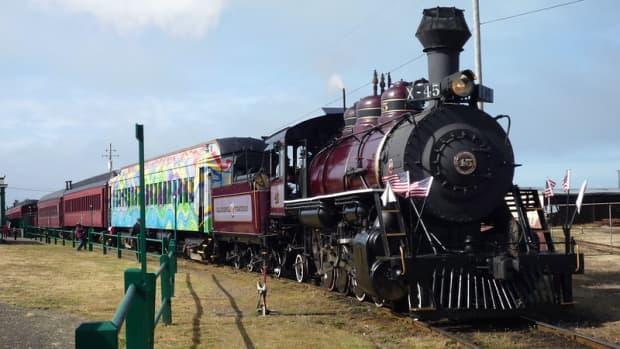 the-skunk-train