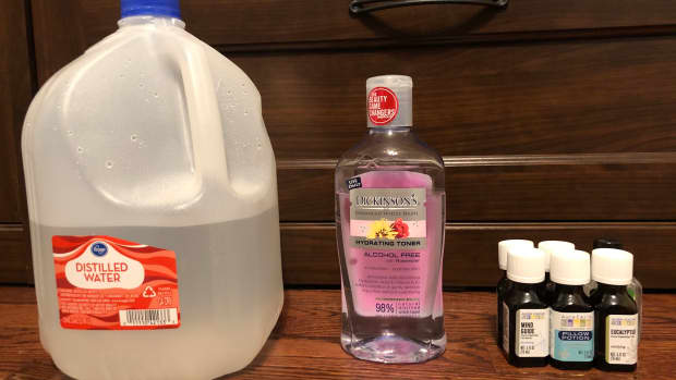 using-essential-oils-as-a-natural-homemade-cleaner