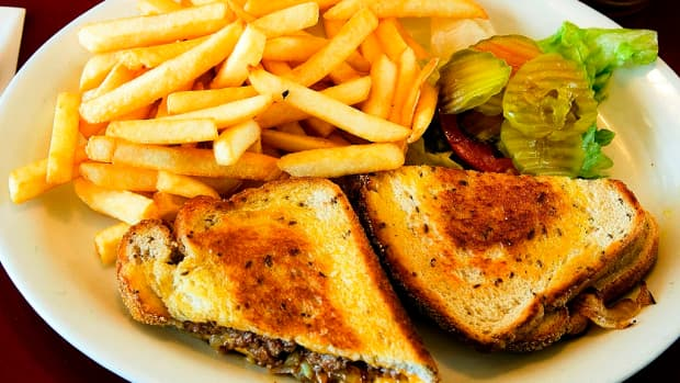 patty-melt-make-the-perfect-roadside-diner-sandwich-and-fun-spinoffs
