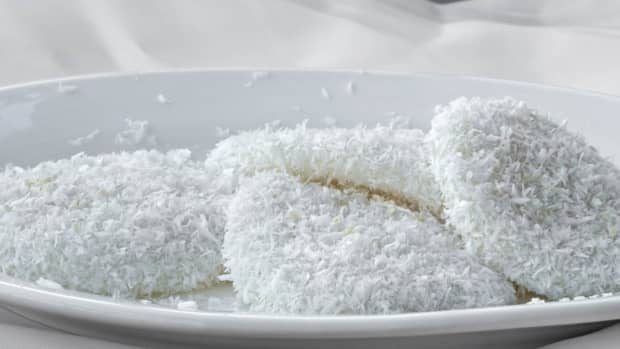palitaw-filipino-boiled-rice-cakes
