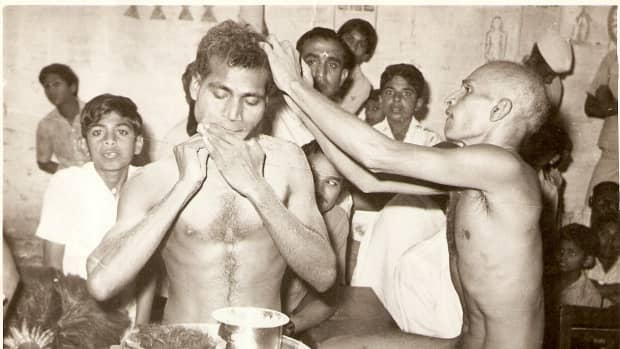 A nude saint removing his own beard hairs.Another nude saint is removing his hairs on the head.
