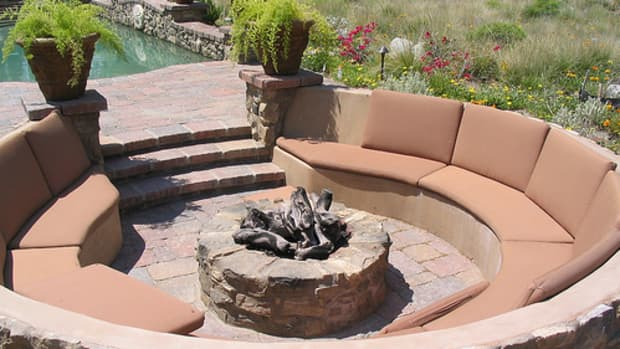 fire-pits-go-great-with-summer-nights