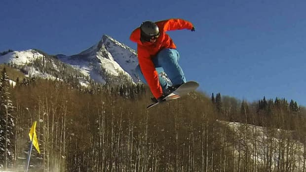 wrist-guards-for-snowboarders