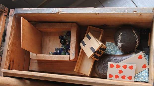 vintage-wooden-boxes-crates-cases-toolboxes