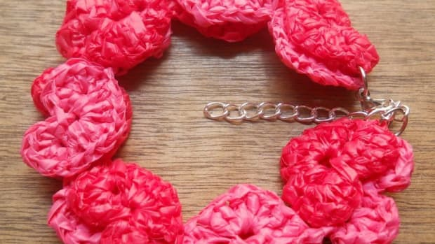 chains-of-hearts-bracelet