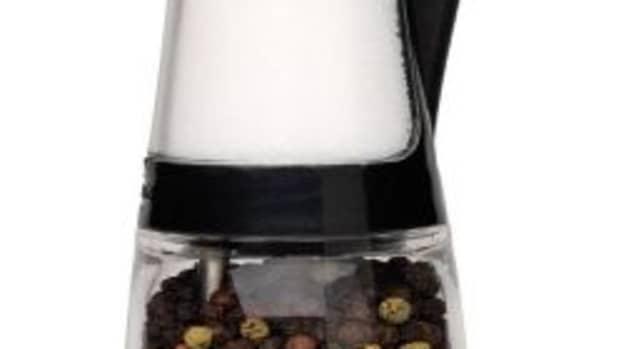 salt-and-pepper-grinder