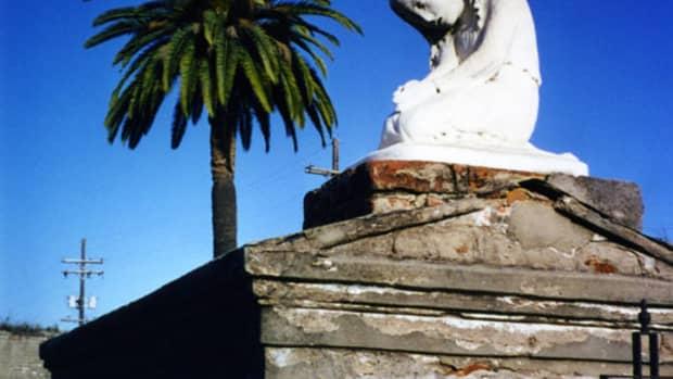 st-louis-no-1-new-orleans-oldest-graveyard