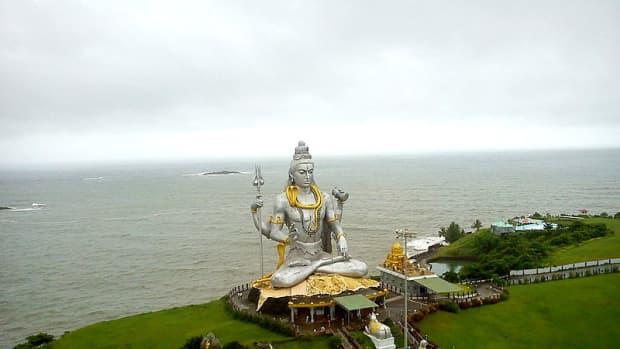 -how-to-reach-murudeshwara-on-konkan-route-in-karnataka-south-india