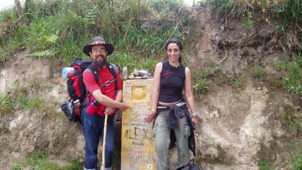 barefoot-hiking
