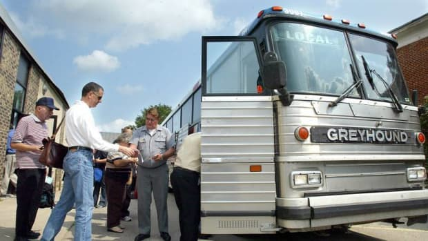 how-to-score-the-cheapest-greyhound-bus-tickets