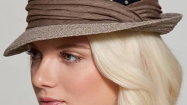 how-to-wear-a-fedora-for-women