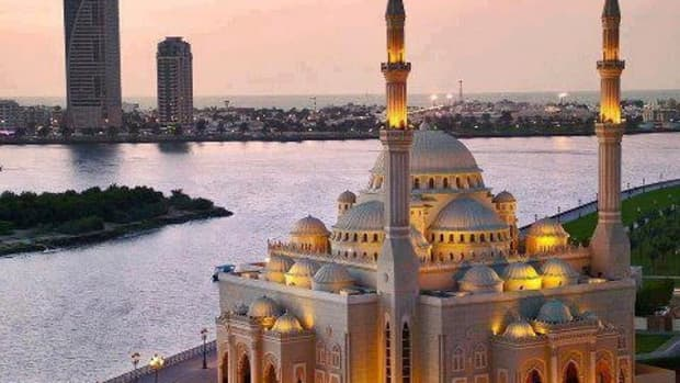 a-famous-mosque-of-sharjah-uae-al-noor-mosque