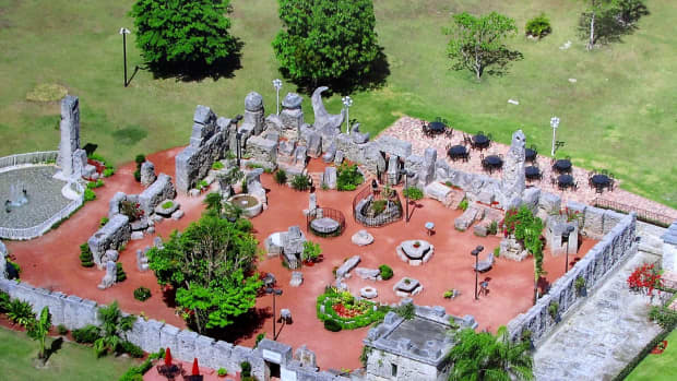 visit-the-coral-castle-and-witness-an-amazing-engineering-achievement