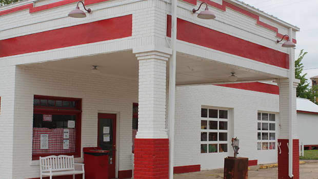 vintage-gas-stations-full-service-gas-stations-of-the-nostalgic-past