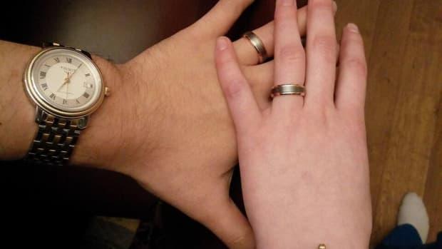 buying-wedding-rings-on-amazon