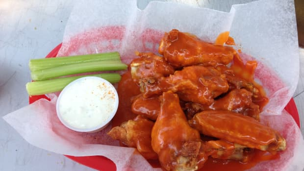 the-undeniable-truth-origins-of-the-buffalo-wing