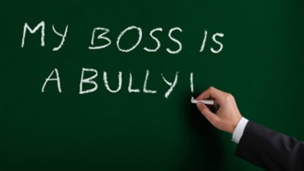 twenty-signs-your-boss-is-a-bully