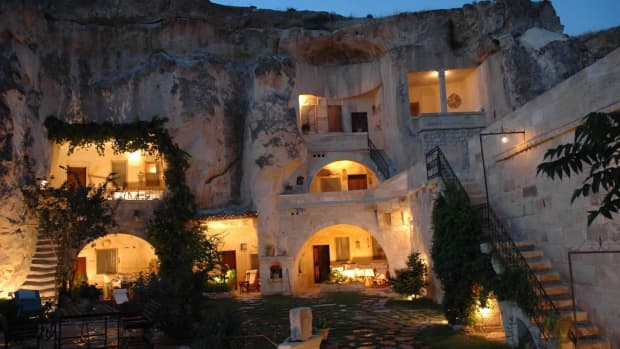 underground-earth-sheltered-homes-past-past-and-future