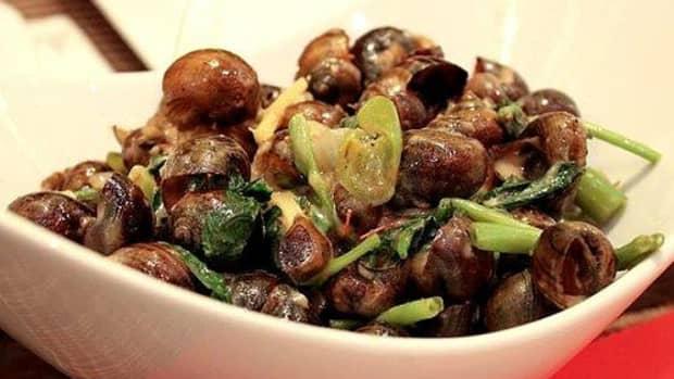filipino-coconut-milk-snails-ginataang-kohol