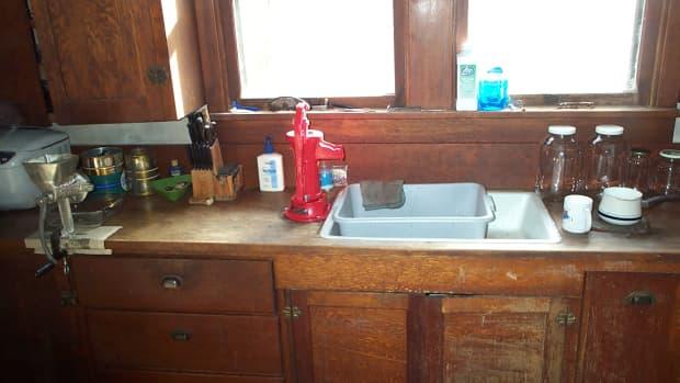 turn-of-the-century-farmer-sinks