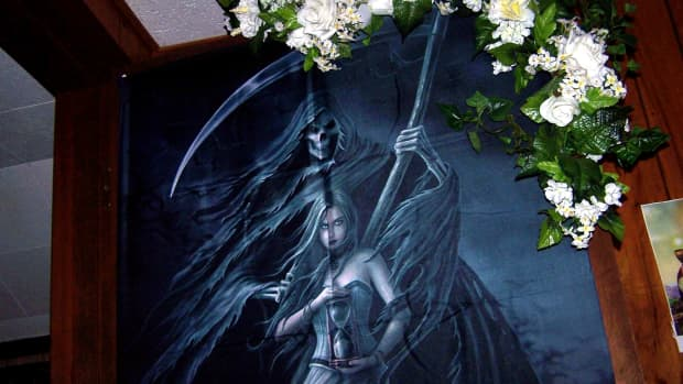 like-fantasy-art-youll-love-anne-stokes-summon-the-reaper-fabric-poster